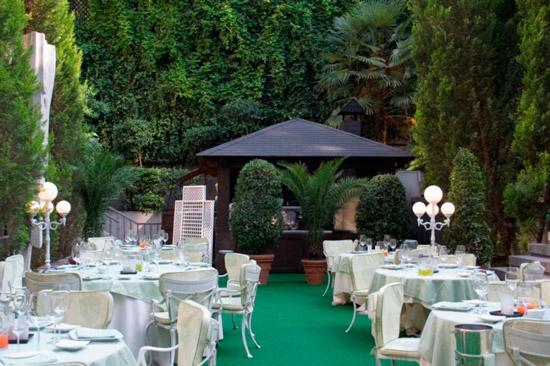 Terrazas de verano en madrid for Jardin hotel miguel angel