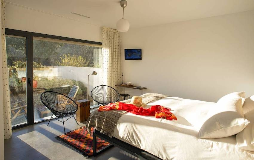 hotelito-navaluenga-habitacion