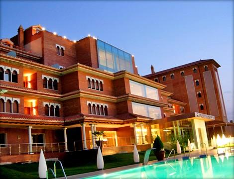 Chollos hotel granada palace con jacuzzi en la habitaci n - Habitacion con jacuzzi en granada ...
