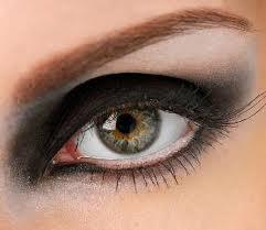 maquillaje ojos negro