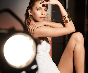 Stella-Maxwell-for-Max-Factor-Bronzer