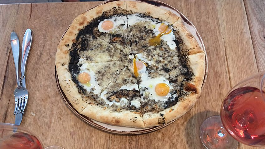 Pizza trufa y huevo giulietta