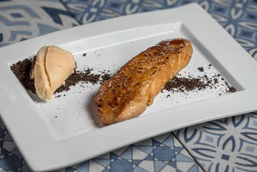 Torrija de Bayleis con helado de galleta