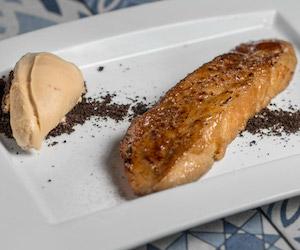 Torrijas de Bayleys con helado de galleta